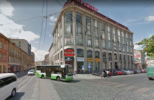 У Львові вимагають ліквідувати один з найнебезпечніших пішохідних переходів