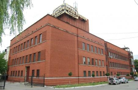 На даху палацу спорту Хоткевича створять відкритий простір