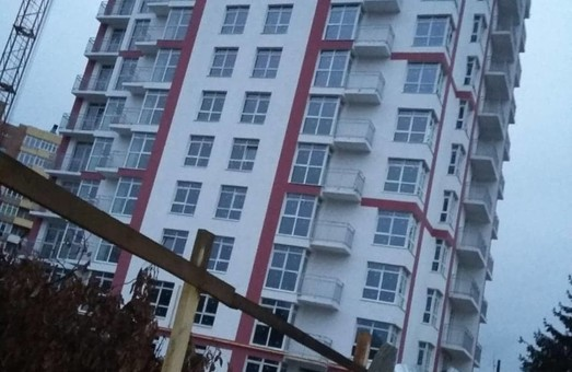 У Льові знесуть 8 поверхів новобуду, в якому вже продали квартири