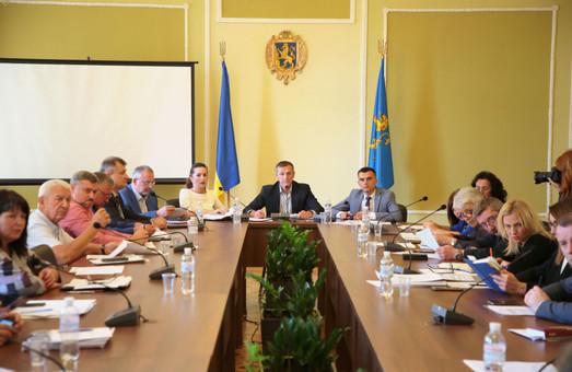 На Львівщині провалили 45% обласних програм