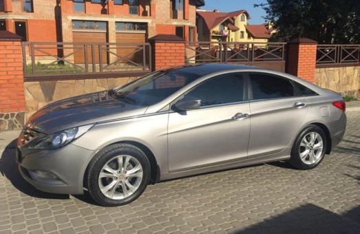 У львівсько чиновниці вкрали авто