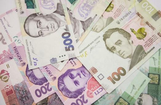 На Львівщині виросла середня зарплата у річній перспективі
