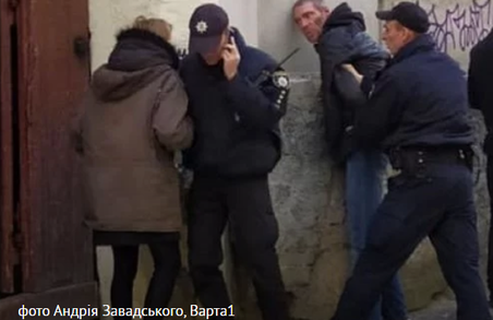 У Львові підлітки з поліцією затримали грабіжників