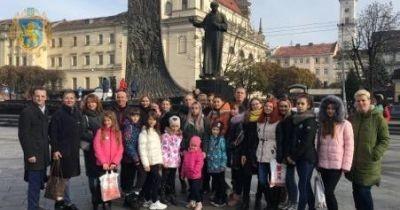 До Львова приїхав дитячий мистецький колектив з Донбасу