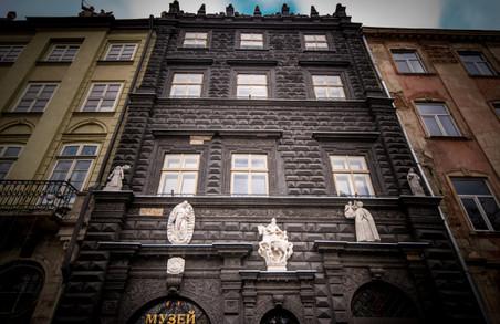 У Львівській Чорній Кам`яниці виявили понад 500 артефактів
