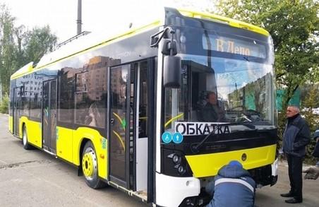Чому на львівські маршрути досі не вийшли нові тролейбуси: коментарі міськради