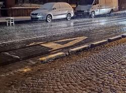 На вулиці Свєнціцького у Львові встановлюють делініатори (ФОТО)