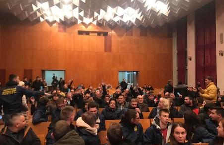 Активісти НК взяли участь у громадських слуханнях щодо підняття тарифу на проїзд