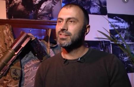Чиновнику ЛМР грозив зламати хребет охоронець Кривецького
