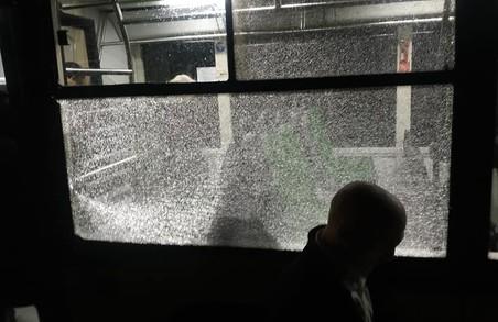 У Львові невідомі обстріляли автобус