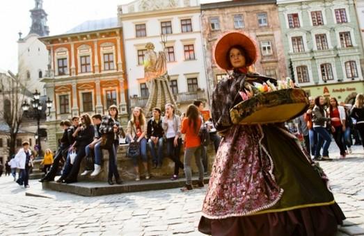 Звідки прибувають до Львова туристи та скільки вони витрачають?