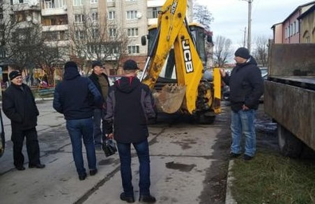 Мешканці трьох львівських будинків судитимуться з ЛМР