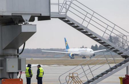У Львові відновлює роботу старий термінал аеропорту