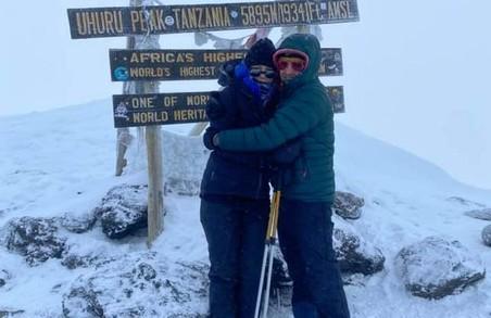 Львівське подружжя підкорило Кіліманджаро