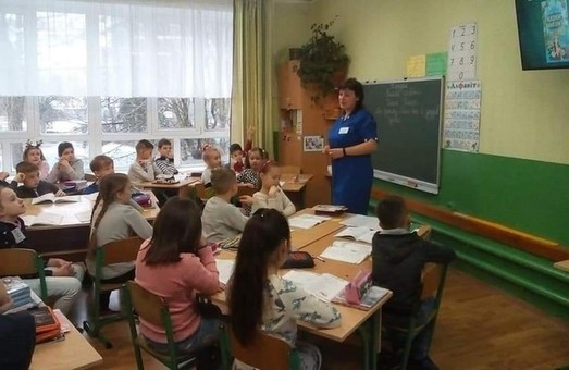Вчительку зі Львівщини визнали кращою в Україні в 2020