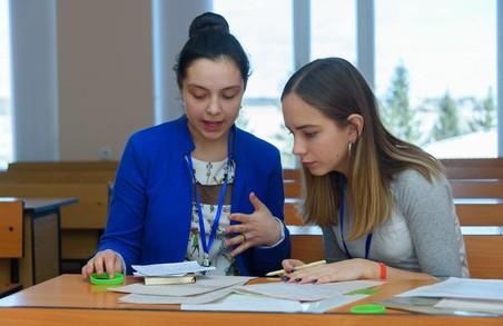 Школярка зі Львова Надія Шимків стала суперфіналісткою національного проєкту «Молодь дебатує»