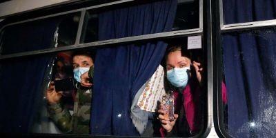 Львів'янка просить писати листи на підтримку евакуйованих з Уханю