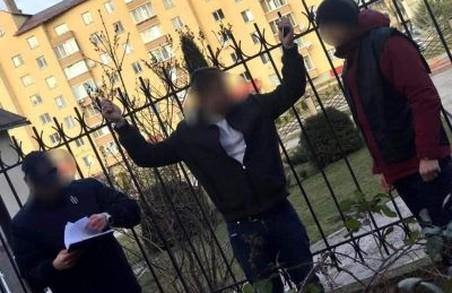 У Львові затримали поліцейського-хабарника