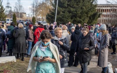 Львівські медики з Винниківського госпіталю, які не хотіли приймати евакуйованих українців, вимагають притягнути владу до відповідальності