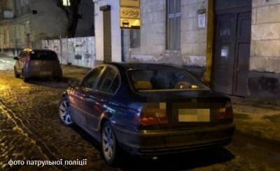 У Львові поліцейські спіймали викрадачів, які везли хлопця у багажнику, та це виявилось розіграшем