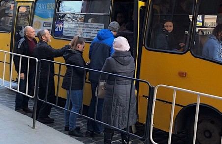 Карантин у Львові: поліція почала штрафувати водіїв маршруток
