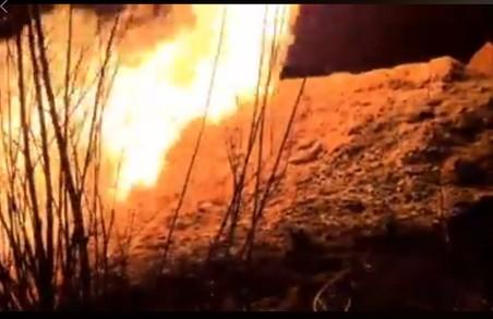 У Львові біля злітної смуги аеропорту загорівся газопровід, без газу залишився Скнилів (ВІДЕО)