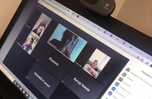 Львівськіх школярів зацікавлюють онлайн-вправами, використовуючи квестові технології