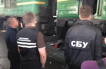 СБУ впіймала львівських посадовців на мільйонній контрабанді російських запчастин