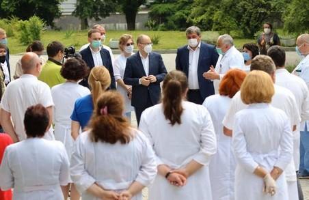 Треба терміново вводити додаткові заходи: міністр охорони здоров'я про COVID-19 на Львівщині