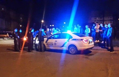 У Львові зупинили авто, повне п'яних правоохоронців