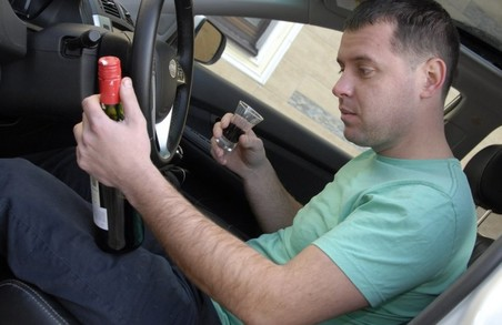 В Україні запровадили і зразу скасували кримінальну відповідальність за керування автомобілем напідпитку