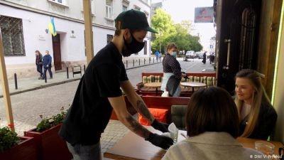 Голова ЛОДА вимагає закрити ресторани у Львові