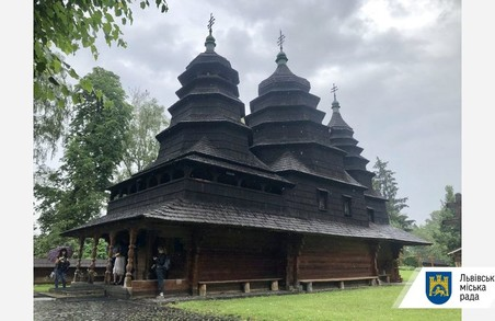 У «Шевченківському Гаю» реставрують старовинну церкву