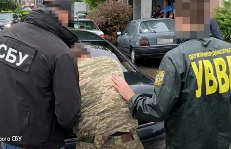 Керівника прикордонників Мукачева звинувачують допомозі контрабандистам