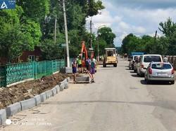 У селищі Ланчин на Прикарпатті компанія «Онур» відновлює головну дорогу