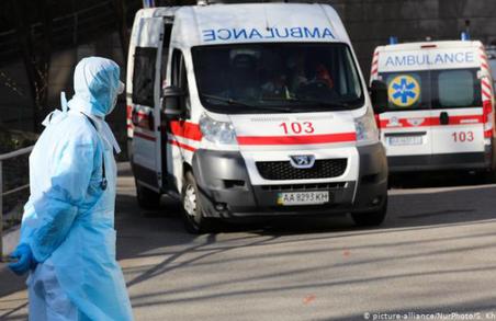 На Львівщині знову провели трохи більше півтисячі тестів, але виявили понад сотню інфікованих коронавірусом