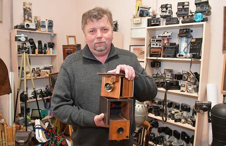 Відомий львівський фотограф показав колекцію ретрофототехніки (ФОТО)