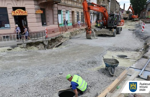 У Львові для проїзду транспорту відкривають перехрестя вулиць Богдана Хмельницького та Опришківскої