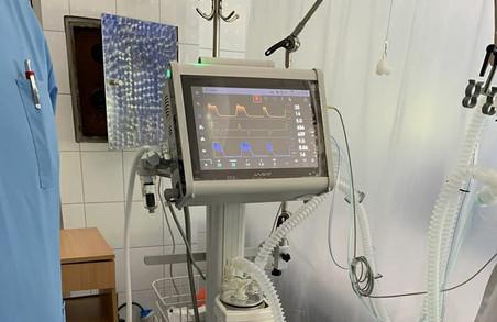 Лікарня у Калуші отримала новий апарат штучної вентиляції легенів