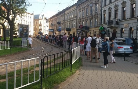 У Львові призупинився рух трамваїв на маршрутах № 3 і 8