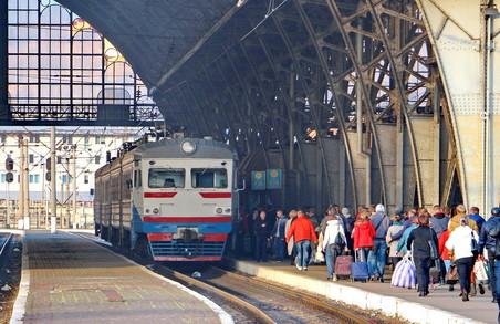 Від сьогодні Львівська залізниця запустила дві пари поїздів зі Львова: до Мостиськ та Здолбунова