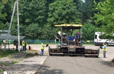 На Львівщині ремонтують місцеві автодороги Наварія – Милятичі та Поршна – Підсадки