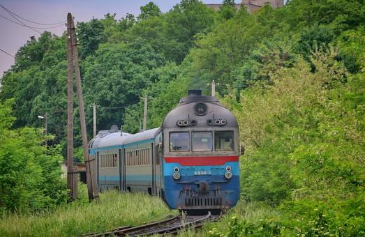 Від завтра Львівська залізниця відновлює курсування кількох приміських поїздів на Закарпатті та Рівненщині