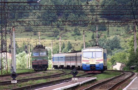 Із 1 серпня відновлює курсування швидка електричка зі Львова до Мукачева