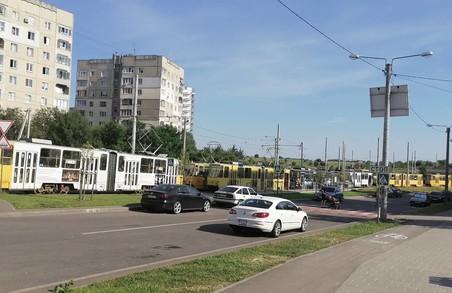На Сихові призупинився рух трамваїв