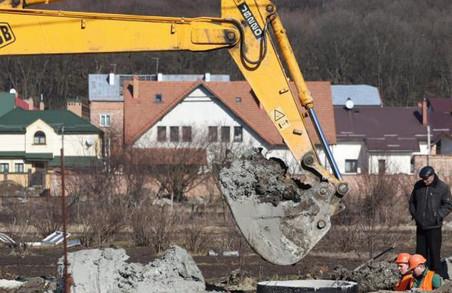 У Залізничному районі Львова вода подається із пониженим тиском