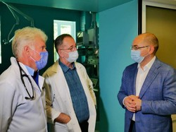У Львові Максим Степанов відвідав обласну клінічну лікарню