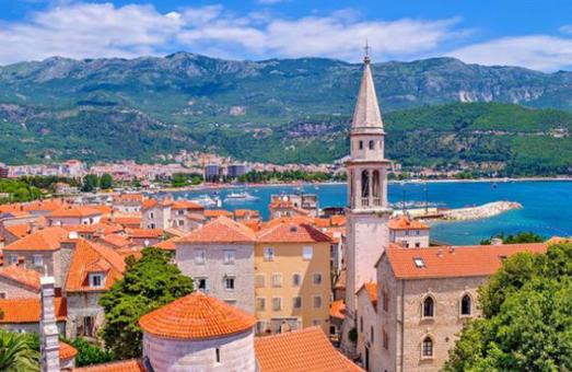 Українці без проблем зможуть відпочивати у Чорногорії