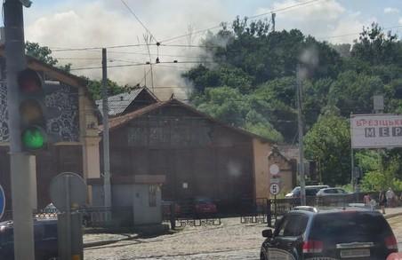У центрі Львова на території старого трамвайного депо на вул. Вітовського – Героїв Майдану сталася пожежа