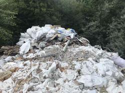 На південній околиці Львова та біля сусідніх сіл виявили несанкціоновані сміттєзвалища